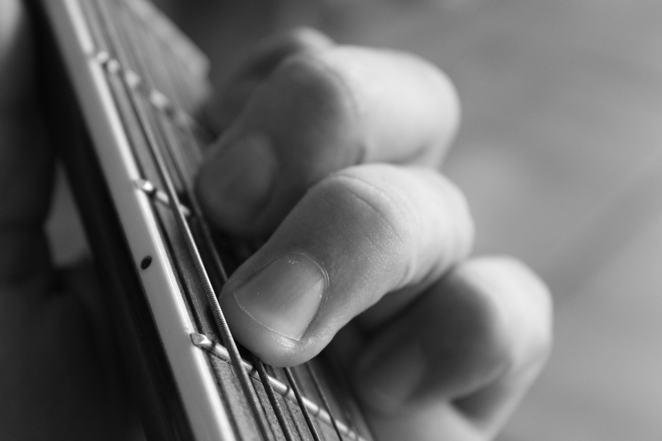 Escuchar con las manos, la música del corazón