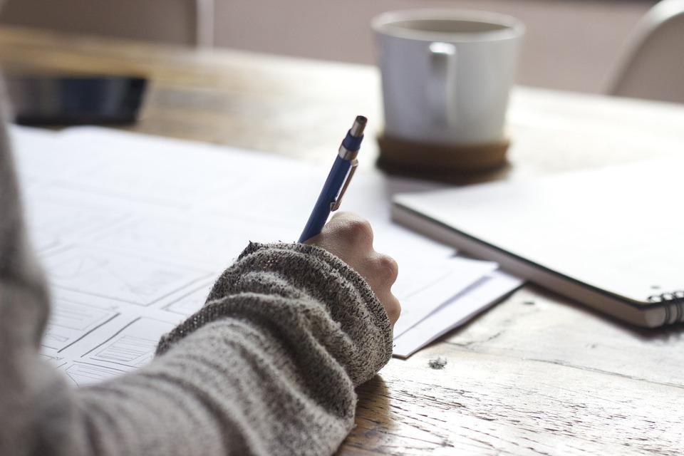 Aprende a escribir tu primera novela y publícala en Trebolarium