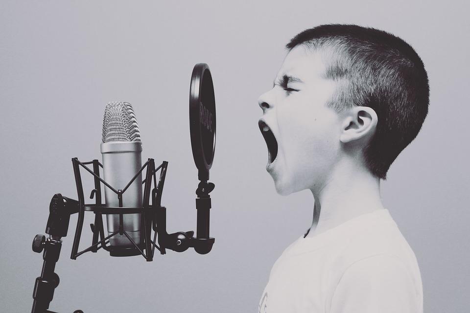 Audiolibro con voz humana